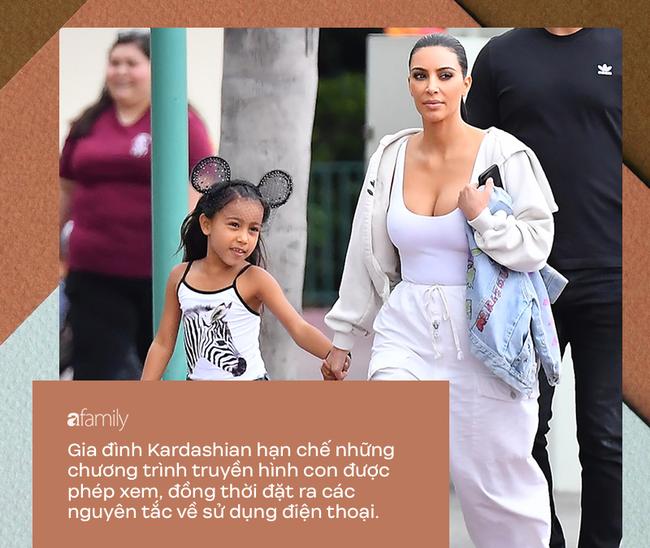 Dù bị ghét vì tai tiếng và chiêu trò bẩn nhưng trong cách nuôi dạy con, không ít người phải gật gù, tán dương gia đình Kardashian - Ảnh 7.