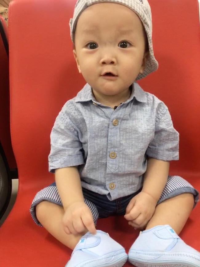 """Nhật ký 1 năm nuôi con sinh non nặng 1,3kg, đi """"nghỉ dưỡng"""" ở viện nhiều hơn ở nhà của mẹ Nghệ An - Ảnh 12."""