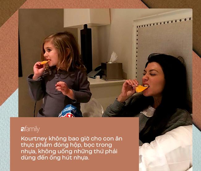 Dù bị ghét vì tai tiếng và chiêu trò bẩn nhưng trong cách nuôi dạy con, không ít người phải gật gù, tán dương gia đình Kardashian - Ảnh 10.