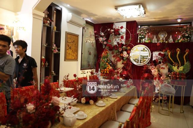 Sát giờ diễn ra lễ cưới, Đông Nhi nhá hàng khung cảnh tràn ngập hoa được chuẩn bị cho lễ vu quy, người hâm mộ thi nhau vào chúc mừng - Ảnh 9.
