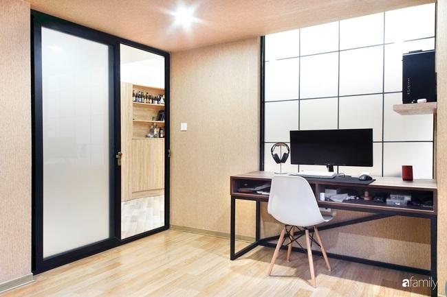 """Ngôi nhà 2 tầng mái dốc với trần bằng gỗ """"ẩn mình"""" trong căn hộ chung cư 103m2 ở Hà Nội - Ảnh 17."""