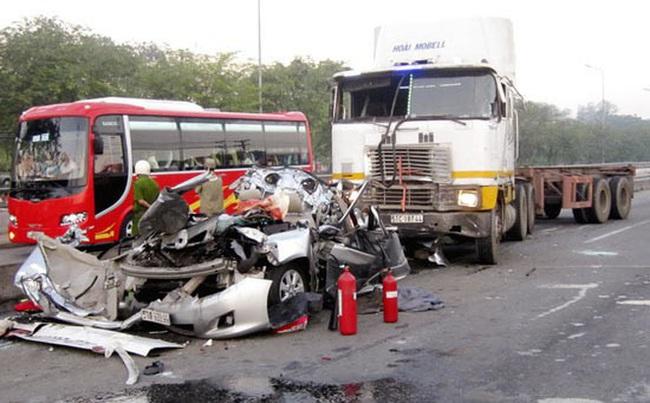 Sơ cứu người bị tai nạn giao thông: Nếu không biết xin đừng di chuyển! - Ảnh 1.