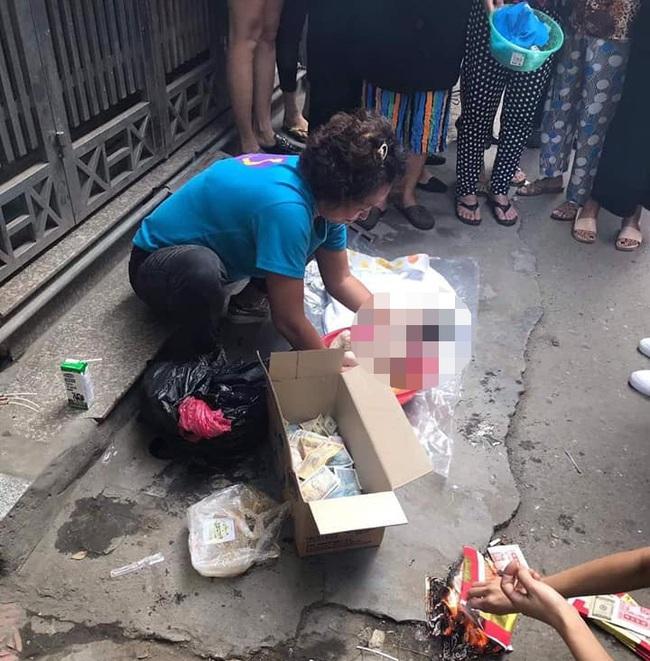 Người dân lo chôn cất thai nhi