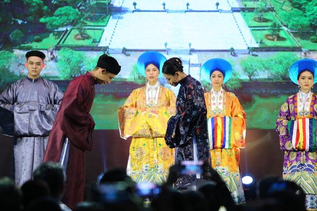 """Mãn nhãn với trang phục đẹp mắt từ phim cung đấu đầu tiên của Việt Nam, """"Phượng Khấu"""" ra mắt năm 2020 - Ảnh 3."""