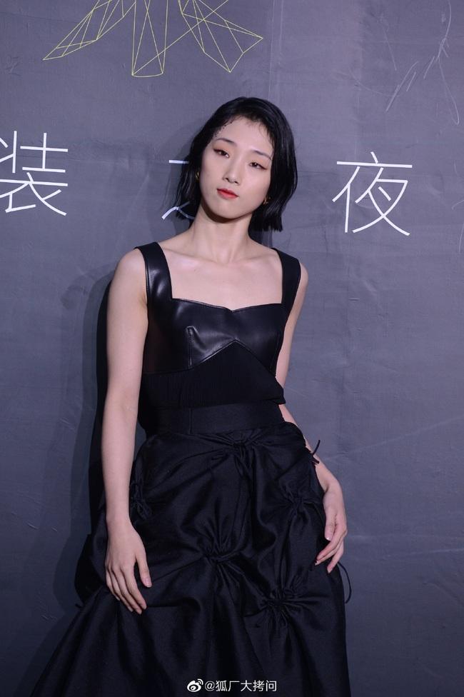 Thảm đỏ L'Officiel Trung Quốc: Trịnh Sảng và Cổ Lực Na Trát lần đầu cùng tham gia sự kiện, Huỳnh Hiểu Minh hội ngộ tình cũ - Ảnh 16.