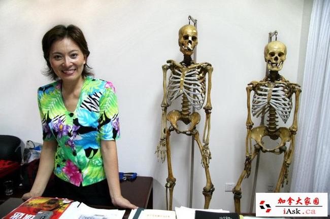 Nữ pháp y xinh đẹp nhất Trung Quốc: Phá bỏ định kiến giới tính trong công việc, bất chấp mọi hoàn cảnh để đưa sự thật ra ánh sáng - Ảnh 3.
