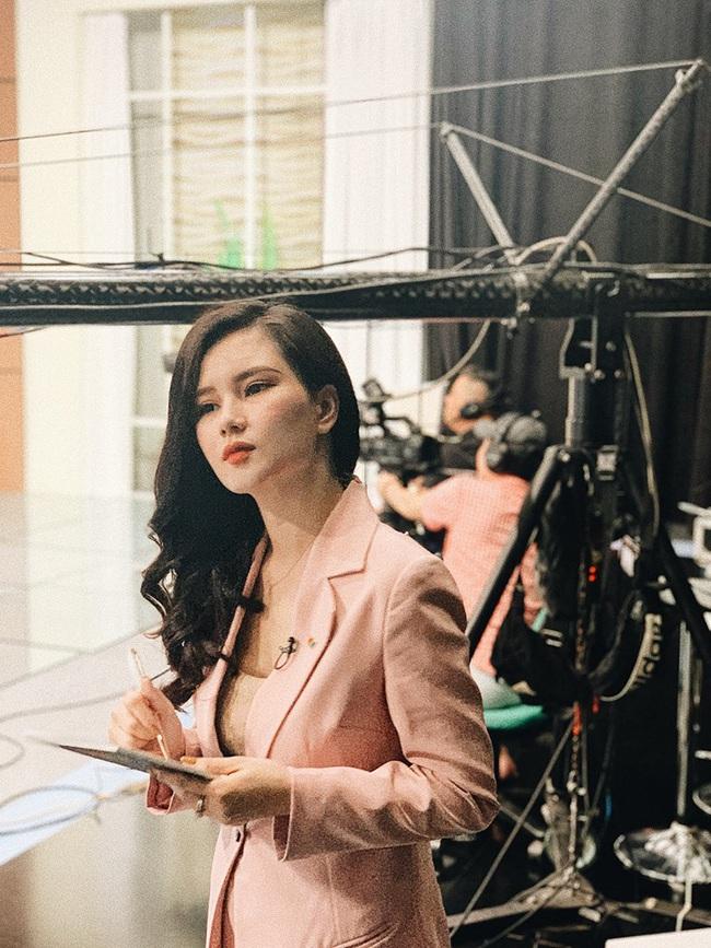 3 bà mẹ đơn thân xinh đẹp ở VTV: Người kinh doanh dùng hàng hiệu như ngôi sao, kẻ tự tay tậu nhà hàng tỉ đồng - Ảnh 2.