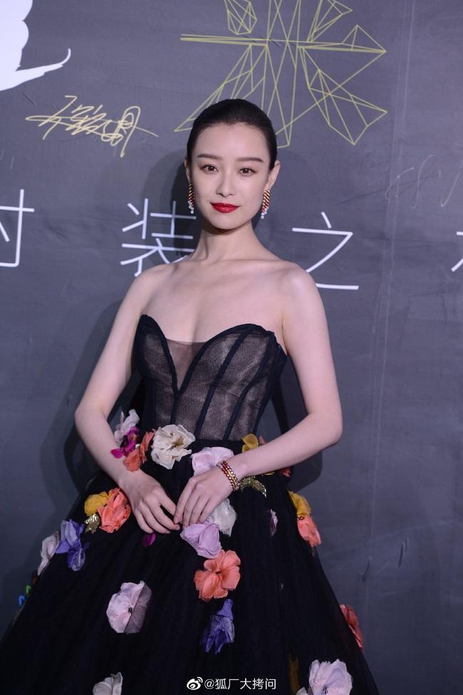 Thảm đỏ L'Officiel Trung Quốc: Trịnh Sảng và Cổ Lực Na Trát lần đầu cùng tham gia sự kiện, Huỳnh Hiểu Minh hội ngộ tình cũ - Ảnh 8.