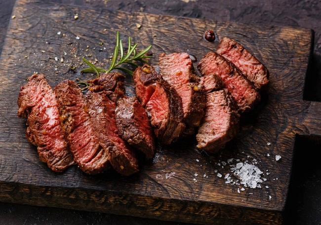 Người phụ nữ tuyên bố một chế độ ăn toàn thịt giúp cô giảm cân sau khi mang thai – Chuyên gia nói gì? - Ảnh 4.
