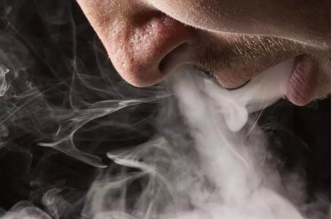 """Hút thuốc hại sức khỏe thì ai cũng biết nhưng nếu hút trong 7 """"thời điểm độc"""" này thì mức độ độc hại còn mạnh gấp 10 lần - Ảnh 2."""