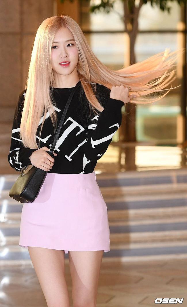 Rosé (Black Pink) diện set đồ gần 250 triệu, phô diện đôi chân cực phẩm như búp bê Barbie - Ảnh 6.