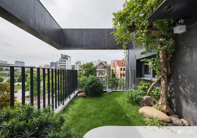 Nhà hướng Tây 2 mặt tiền vẫn mát mẻ nhờ giải pháp tạo khối xanh sân vườn và tầng thượng ở Cầu Giấy - Ảnh 12.