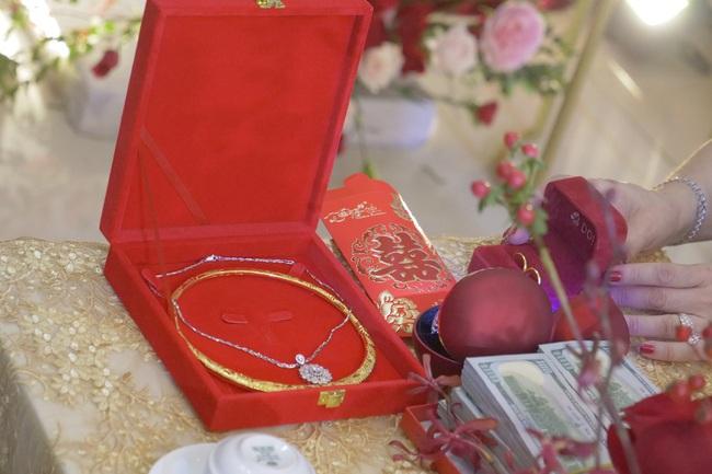 Lóa mắt với loạt hồi môn khủng của sao Việt trong đám cưới: Đông Nhi, Nhã Phương, con gái Minh Nhựa… đều quá ấn tượng - Ảnh 3.