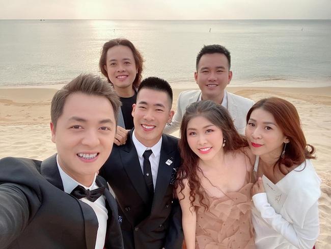 Toàn cảnh đám cưới siêu thế kỷ của Đông Nhi và Ông Cao Thắng: Cô dâu chú rể khóc hết nước mắt khi nhảy cùng bố mẹ hai bên - Ảnh 18.