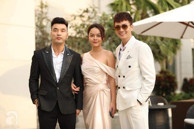 Trực tiếp siêu đám cưới của Đông Nhi và Ông Cao Thắng: Những khoảnh khắc đẹp nhất trong buổi lễ được tiết lộ, cô dâu chú rể ôm chặt nhau cùng khóc - Ảnh 44.