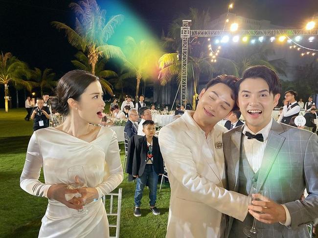 Toàn cảnh đám cưới siêu thế kỷ của Đông Nhi và Ông Cao Thắng: Cô dâu chú rể khóc hết nước mắt khi nhảy cùng bố mẹ hai bên - Ảnh 63.
