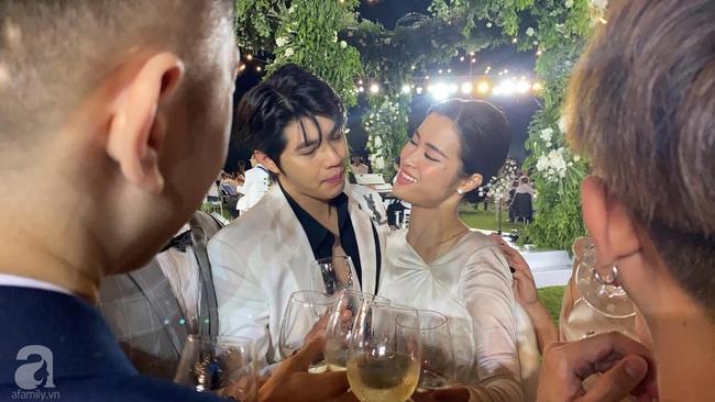 Toàn cảnh đám cưới siêu thế kỷ của Đông Nhi và Ông Cao Thắng: Cô dâu chú rể khóc hết nước mắt khi nhảy cùng bố mẹ hai bên - Ảnh 62.