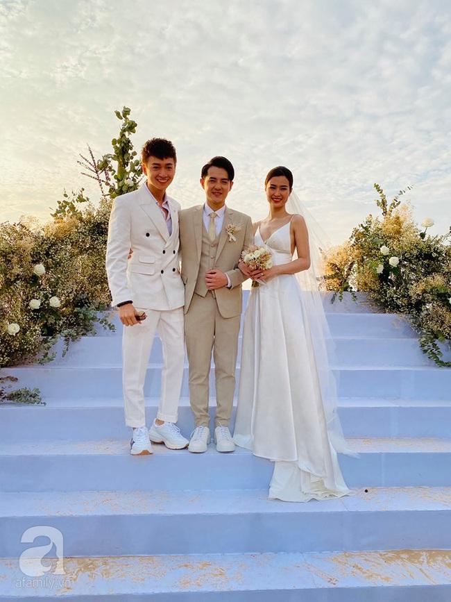 Toàn cảnh đám cưới siêu thế kỷ của Đông Nhi và Ông Cao Thắng: Cô dâu chú rể khóc hết nước mắt khi nhảy cùng bố mẹ hai bên - Ảnh 9.