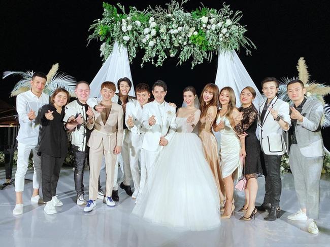 Toàn cảnh đám cưới siêu thế kỷ của Đông Nhi và Ông Cao Thắng: Cô dâu chú rể khóc hết nước mắt khi nhảy cùng bố mẹ hai bên - Ảnh 52.