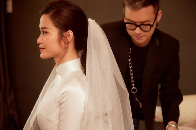 """NTK Chung Thanh Phong: """"Phải là một nhà mốt tinh tế, làm nghề lâu năm mới dám thực hiện chiếc áo dài của Đông Nhi"""" - Ảnh 4."""