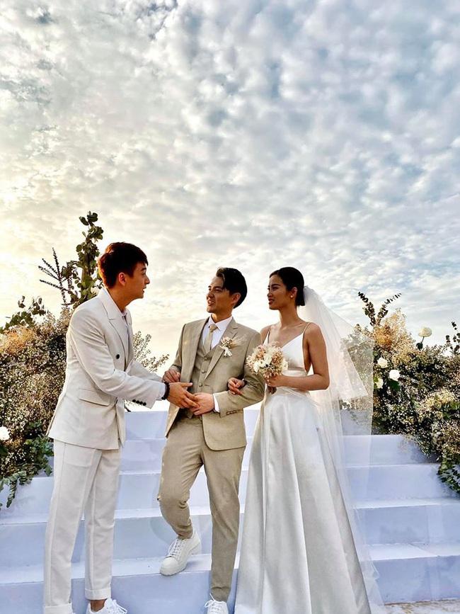 Toàn cảnh đám cưới siêu thế kỷ của Đông Nhi và Ông Cao Thắng: Cô dâu chú rể khóc hết nước mắt khi nhảy cùng bố mẹ hai bên - Ảnh 13.