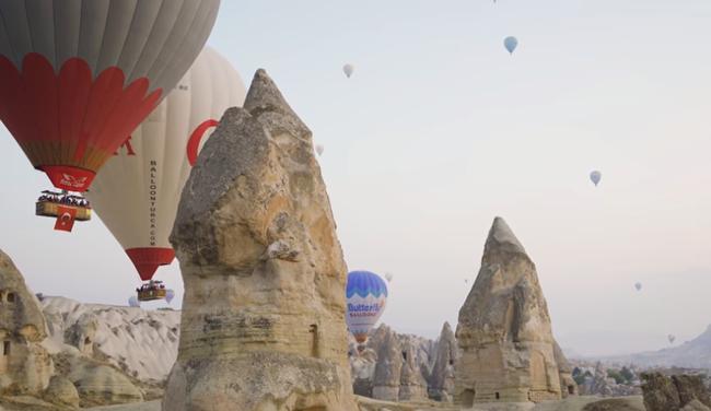 """Vũ Khắc Tiệp bỏ 9 triệu cho 1 tiếng bay khinh khí cầu ở Thổ Nhĩ Kỳ, dân tình bảo """"Nhờ cameraman nên mới follow kênh!"""" - Ảnh 8."""