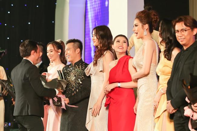 Hoa hậu Diễm Hương bất ngờ thú nhận đã động chạm dao kéo trên mặt - Ảnh 6.