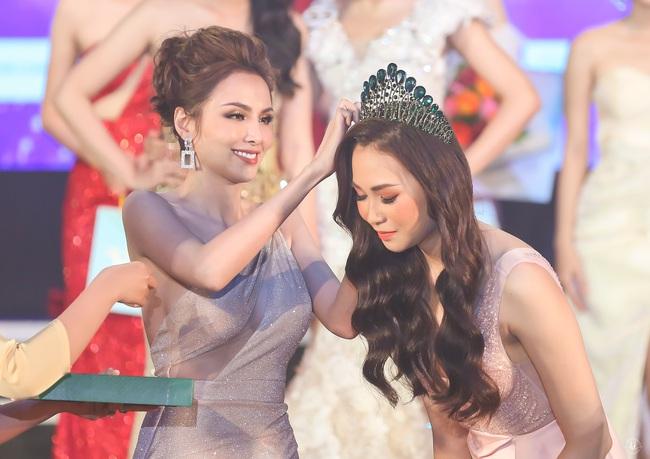 Hoa hậu Diễm Hương bất ngờ thú nhận đã động chạm dao kéo trên mặt - Ảnh 8.