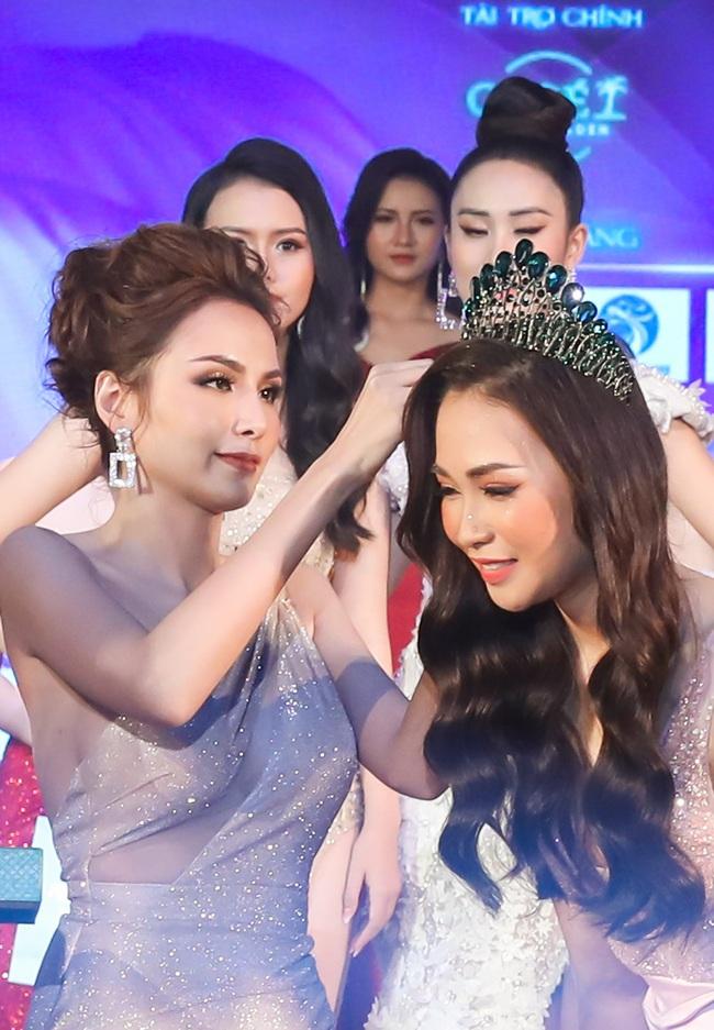Hoa hậu Diễm Hương bất ngờ thú nhận đã động chạm dao kéo trên mặt - Ảnh 7.