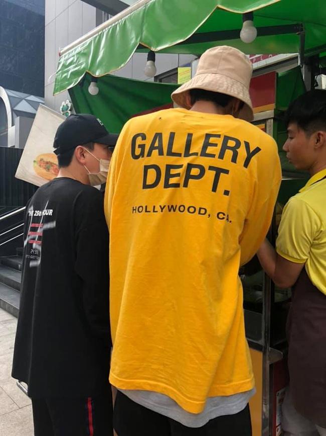 Trước giờ G, các thành viên của Running Man thoải mái dạo phố Sài Gòn và mua bánh mì Việt Nam - Ảnh 3.