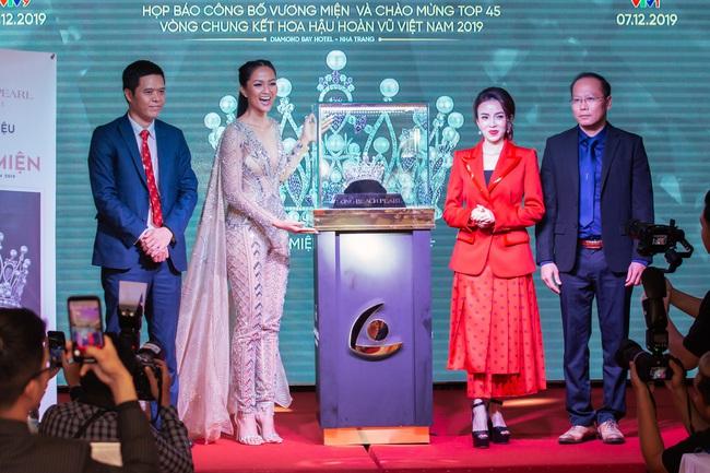 Vương miện cho Tân Hoa hậu Hoàn vũ Việt Nam 2019 chính thức lộ diện: Mất 6 tháng để hoàn thiện - Ảnh 2.