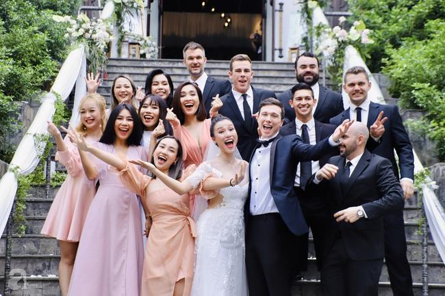 """Tiệc cưới của Á hậu Hoàng Oanh cùng ông xã người Mỹ điển trai: Cô dâu tiết lộ chuyện đặt tên con gái đầu lòng, chú rể xúc động nói """"anh yêu em nhiều lắm"""" bằng tiếng Việt - Ảnh 21."""