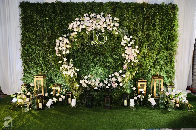 """Tiệc cưới của Á hậu Hoàng Oanh cùng ông xã người Mỹ điển trai: Cô dâu tiết lộ chuyện đặt tên con gái đầu lòng, chú rể xúc động nói """"anh yêu em nhiều lắm"""" bằng tiếng Việt - Ảnh 5."""