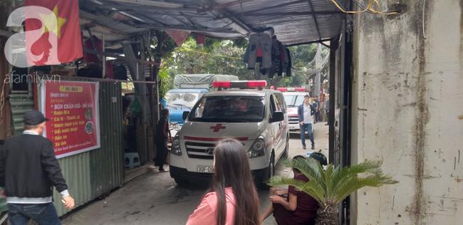 Vụ cháy nhà ở Hà Nội:Nhân chứng tham gia cứu hỏa bất lực kể giây phút phá tường, phát hiện 3 bà cháu ôm nhau ở gác xép - Ảnh 4.