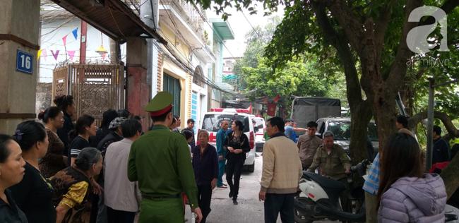 Vụ cháy nhà ở Hà Nội:Nhân chứng tham gia cứu hỏa bất lực kể giây phút phá tường, phát hiện 3 bà cháu ôm nhau ở gác xép - Ảnh 5.