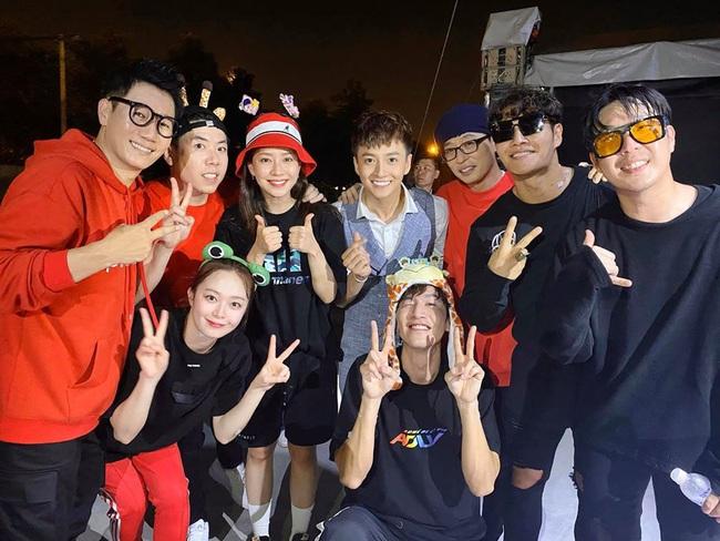 Được khen điển trai như nam thần Kpop, Ngô Kiến Huy hạnh phúc khoe hình chụp cùng dàn sao Running Man Hàn Quốc - Ảnh 2.