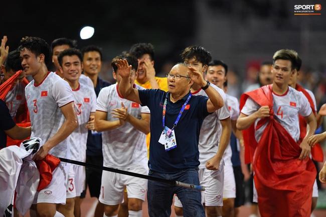 Dân mạng Hàn Quốc đồng loạt chúc mừng chiến thắng của đội tuyển U22 Việt Nam tại SEA Games 30, cổ vũ vào luôn cả chung kêt World Cup 2022 - Ảnh 1.