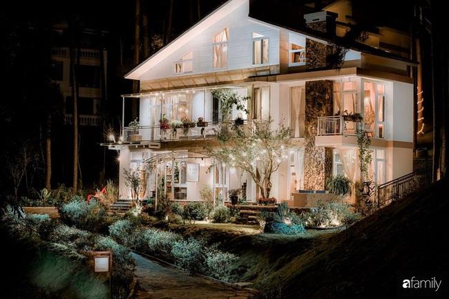 Biệt thự Đà Lạt decor đón Giáng sinh đẹp lung linh như trong cổ tích - Ảnh 1.