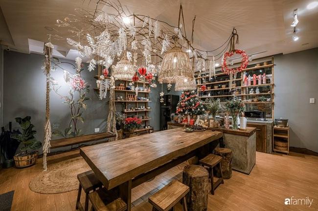 Biệt thự Đà Lạt decor đón Giáng sinh đẹp lung linh như trong cổ tích - Ảnh 7.