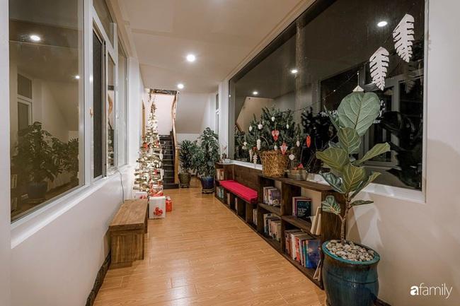 Biệt thự Đà Lạt decor đón Giáng sinh đẹp lung linh như trong cổ tích - Ảnh 3.