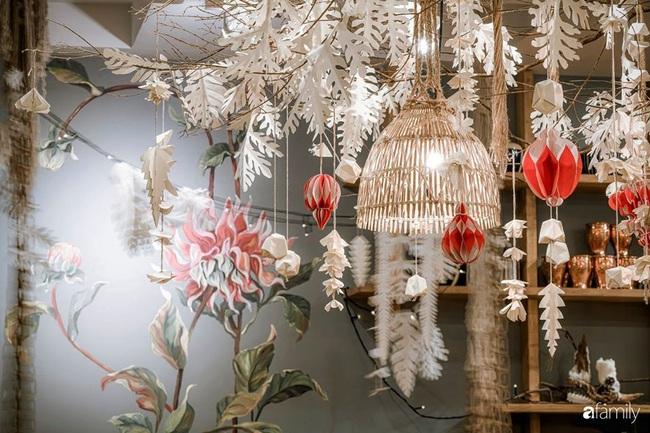 Biệt thự Đà Lạt decor đón Giáng sinh đẹp lung linh như trong cổ tích - Ảnh 6.
