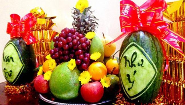Cách chọn dưa hấu đỏ chưng bàn thờ mang đến tài lộc cho năm mới - Ảnh 4.
