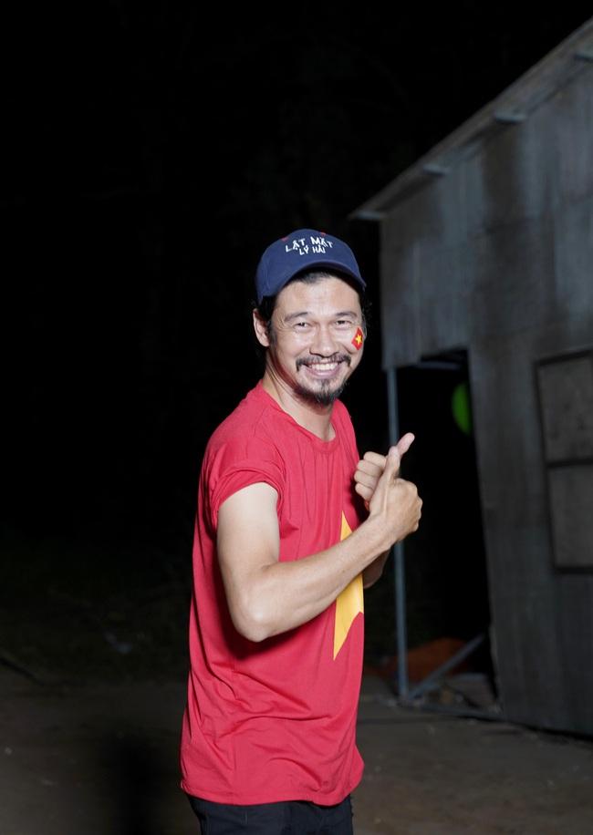 Chu chi nh L Hi - Minh H Bt c on dng quay phim khua chung g trng c v U22 Vit Nam - nh 10