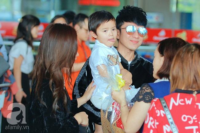 Ở nước ngoài lâu năm, lần hiếm hoi bà xã đại gia và con trai cùng Đan Trường xuất hiện tại Việt Nam nhưng bất ngờ nhất là phản ứng của cậu bé - Ảnh 5.