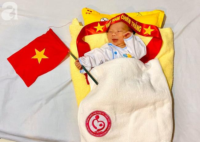 Những em bé chào đời trong giây phút đội tuyển Việt Nam đăng quang chức vô địch SEA Games 30 - Ảnh 1.