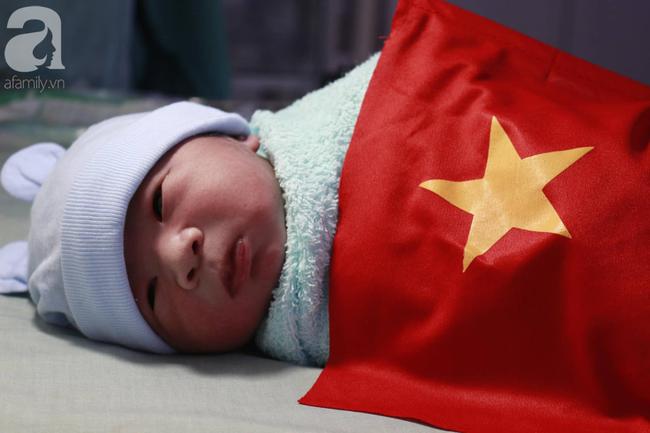 Những em bé chào đời trong giây phút đội tuyển Việt Nam đăng quang chức vô địch SEA Games 30 - Ảnh 2.