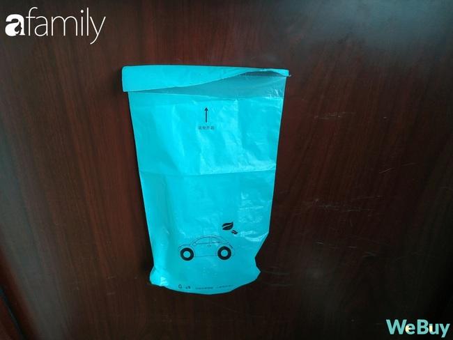 """Review nhanh """"túi rác di động"""" cho đại hội dọn nhà ngày Tết: """"cân"""" được mọi bề mặt, giá chỉ 3.200 đồng - Ảnh 3."""