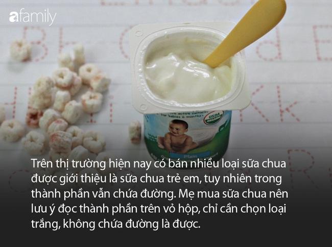 Chuyên gia dinh dưỡng gợi ý độ tuổi chính xác nhất bố mẹ nên cho con ăn sữa chua, váng sữa, phô mai - Ảnh 2.