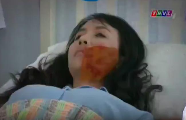 """""""Không lối thoát"""": Bồ nhí Tuyết bị hủy gương mặt, Minh vẫn hại đến mức nằm bất động không nói được  - Ảnh 6."""