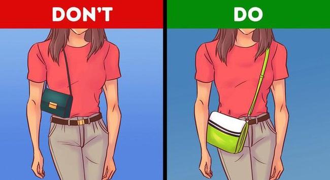 """Vóc dáng thế nào chọn túi xách thế ấy thì mới """"chuẩn bài"""" giúp style của bạn lên hương - Ảnh 4."""